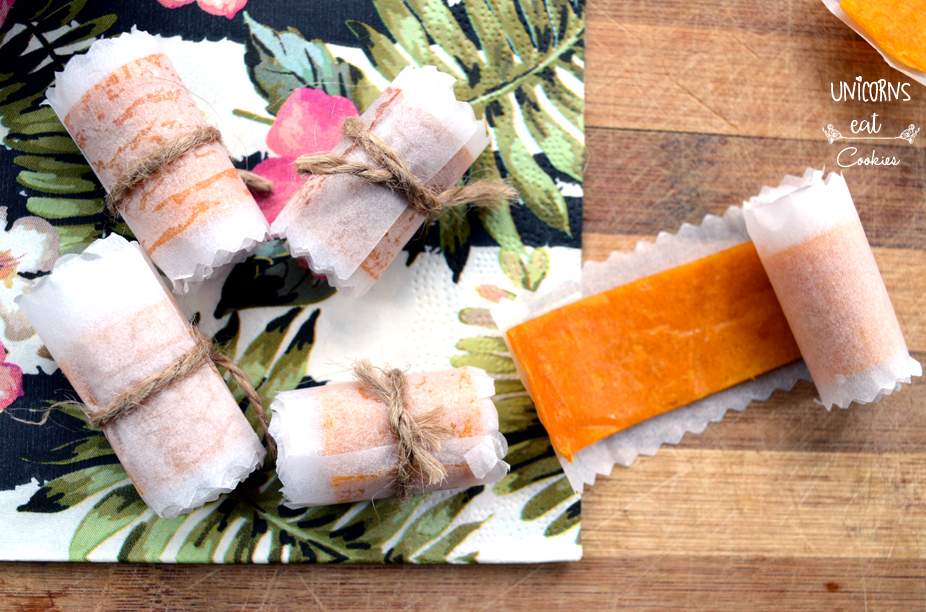 Fruit rolls, dried fruits, snack light, fruit, vegan snack, vegetarian snack