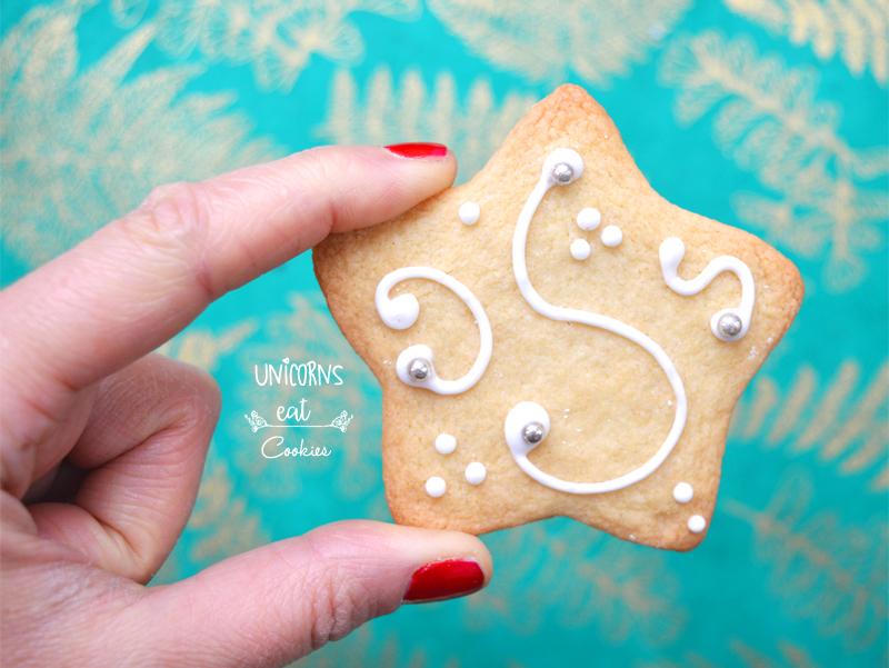 natale, christmas, biscotti, biscuits, cookies, vegan. vegani, stelline, unicorns eat cookies, ghiaccia reale, royal icing, ricette, addobbi, recipe, decorations