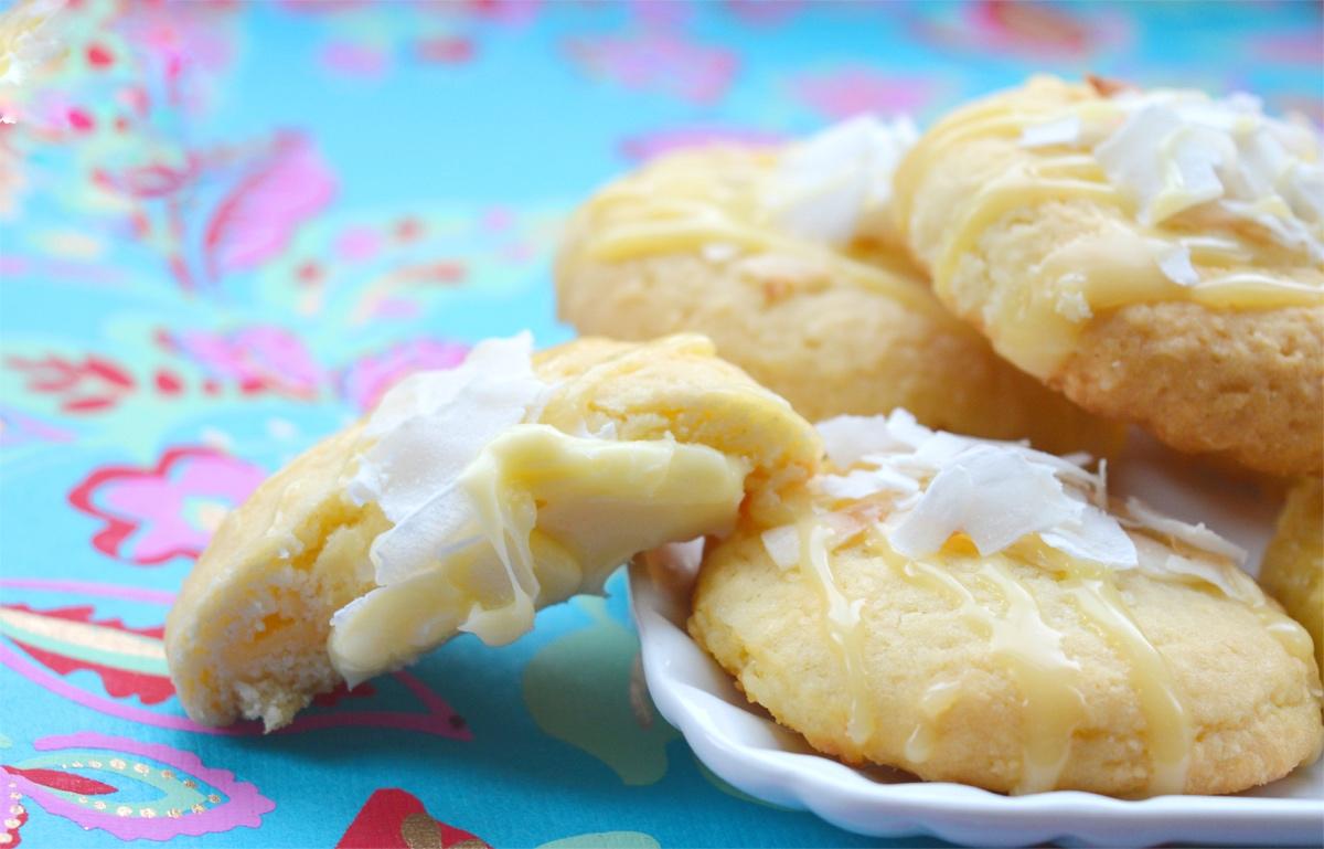 cocco, coconut, ricetta, recipe, cioccolato bianco, white cioccolate, biscotti, biscuits, cookies, filled, ripieno, estate, dessert,