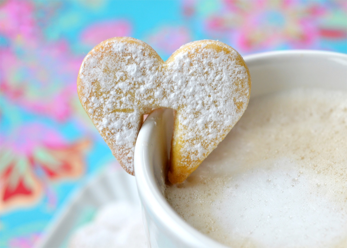 cuore, heart cookies , ricetta, biscotti, biscuits, cookies, cup, tazza, mug, hanging, idea regalo, gift idea, chiristmas, natale