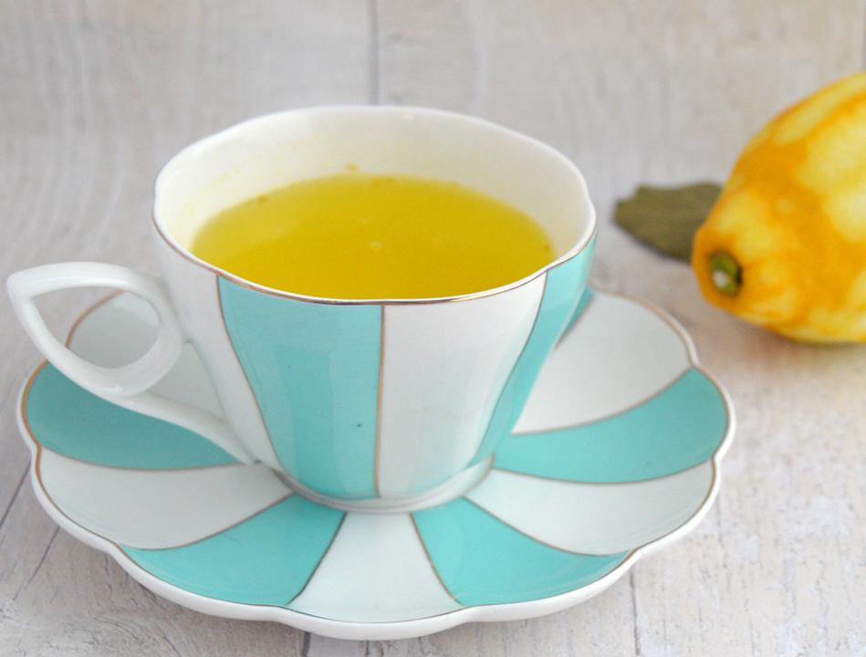 canarino digestivo, limone, acqua calda e limone, metodi naturali per digerire