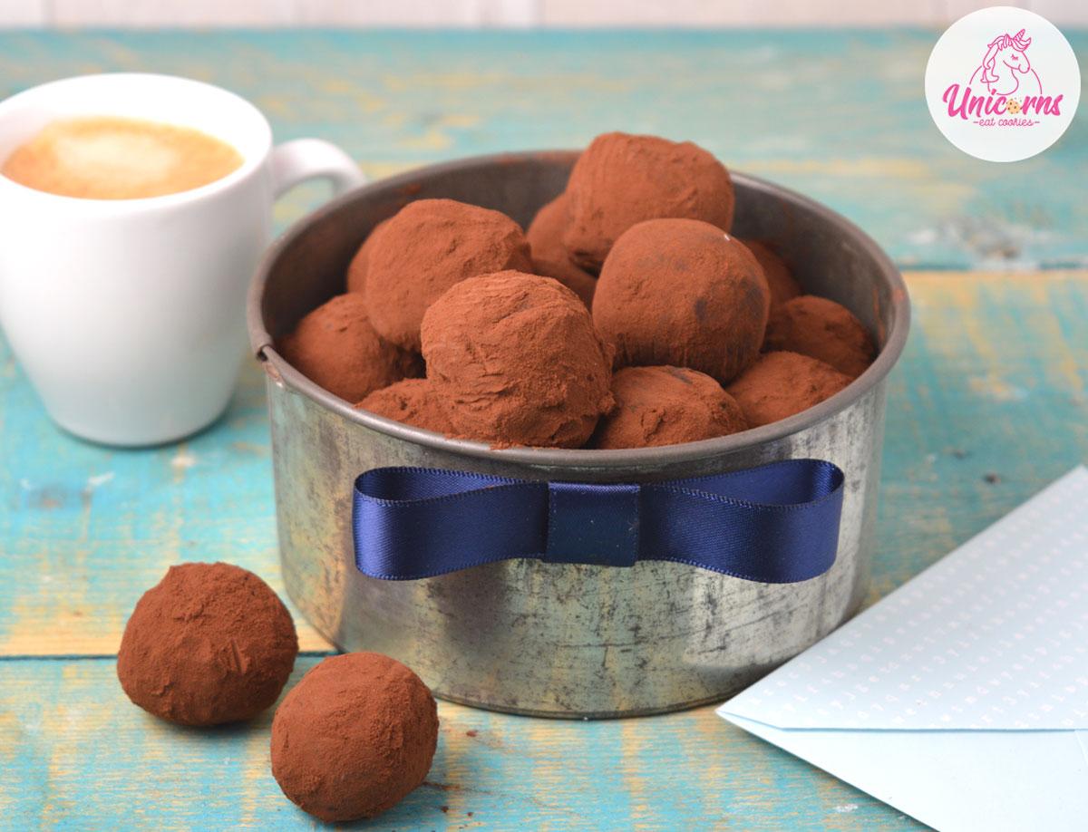 come preparare i tartufini al cioccolato caffè e fiocchi di sale ricetta