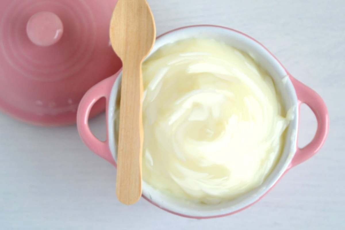 ricetta crema al latte senza uova